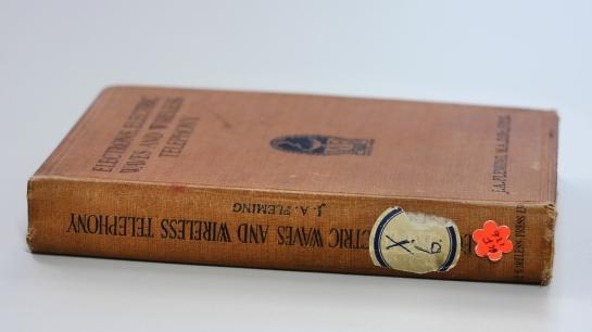 books-viola-books-helen_web